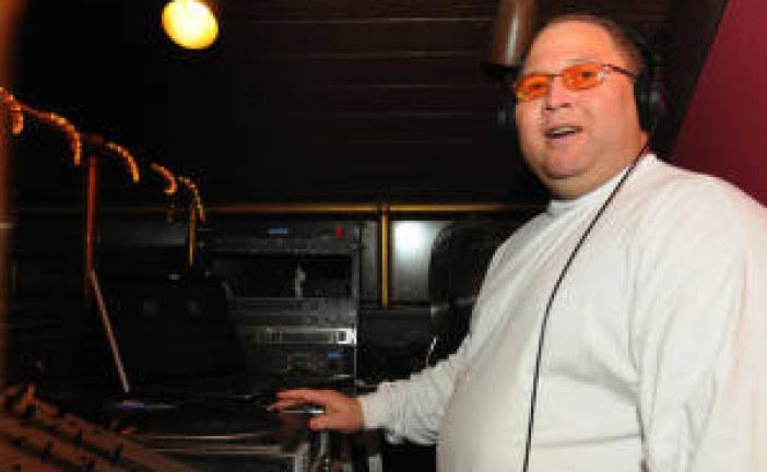 DJ ZX Washington DC's Number One DJ Joins Vyzion Radio