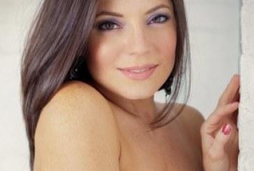 Sarah Clayton Joins Vyzion Radio Elite Model Team